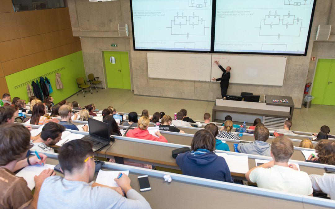 Studenti napříč fakultami se budou učit podnikat