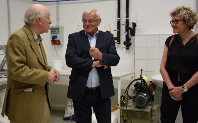 Zástupci Baťovy nadace navštívili Centrum polymerních systémů