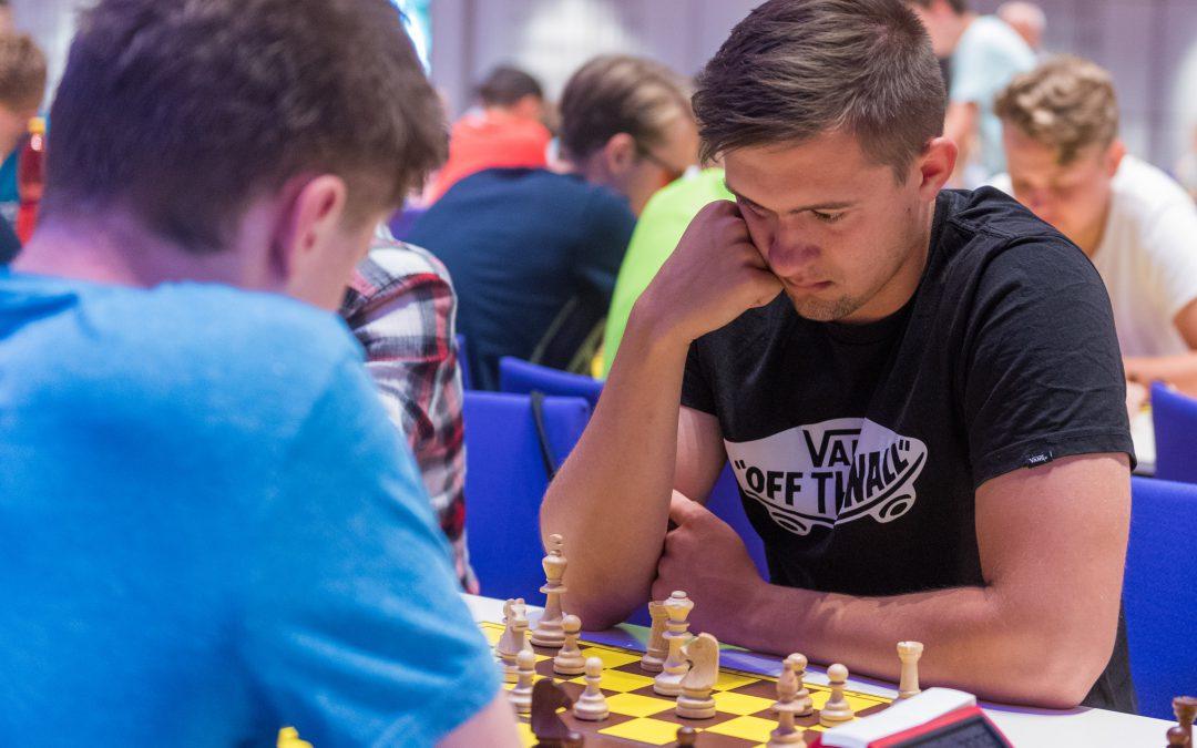 Rektor zahájil Mistrovství ČR školních družstev v šachu