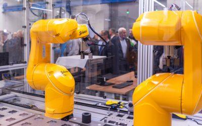 Roboti přenáší univerzitu do období Průmysl 4.0