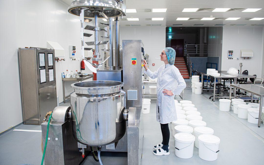 Zlínská univerzita pomáhá během epidemie koronaviru. Nabízí dobrovolníky i počítače