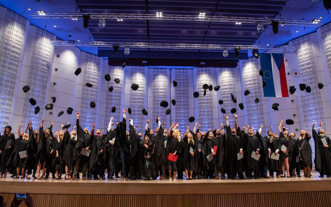 Slavnostní promoce absolventů Fakulty technologické